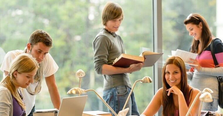 美国高中寄宿家庭费用