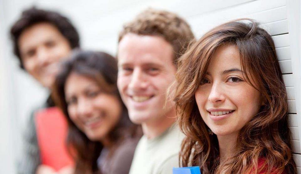 加拿大硕士留学费用VS澳洲硕士留学费用